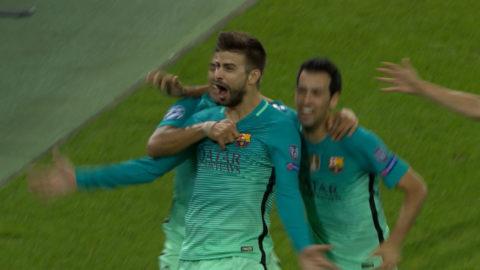 Mål: Pique stöter in ledningsbollen för Barcelona (1-2)