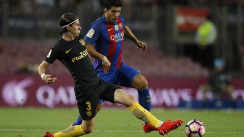 Suárez kyliga passning till Filipe Luís
