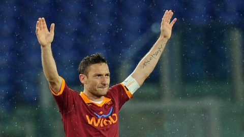 Totti frälste Roma med matchens sista spark