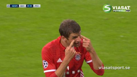 Bayerns chockar med snabb hörna - Müller smäller in ledningsmålet (1-0)