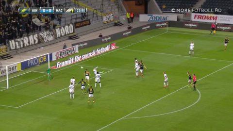 Här gör Väisänen 1-0 för AIK mot Häcken