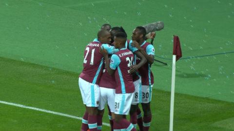 Mål: Kouyaté skallar in ledningsmålet för West Ham (1-0)