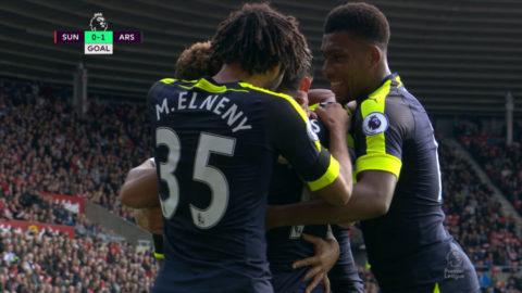 Mål: Sanchez nickar in ledningen för Arsenal (0-1)