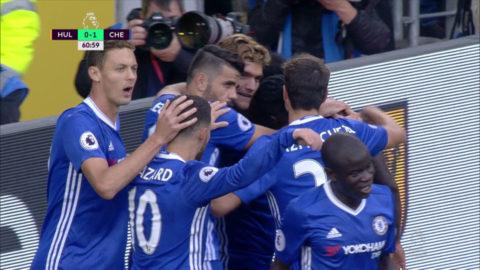 Mål: Willian trycker in ledningen förr Chelsea (0-1)
