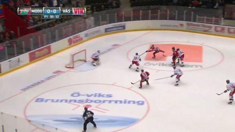 Molin spräcker nollan efter 36 sekunder mot topplaget Västervik