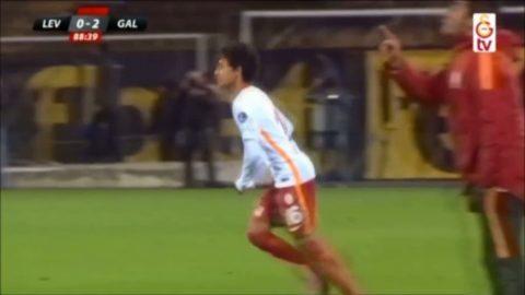 Se när 14-åringen får debutera för Galatasaray