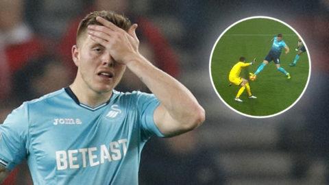 """Snöpliga självmålet sänkte Swansea: """"Väldigt oturligt"""""""