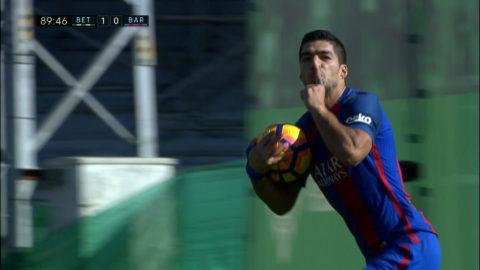 Luis Suarez poängräddare - tystar hemmapubliken