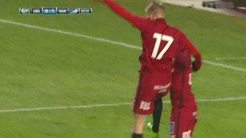 Holmberg slår till igen - gör 2-0 från nära håll