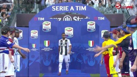 Juventus-stjärnans jobbiga sekunder - innan han kliver upp på podiet
