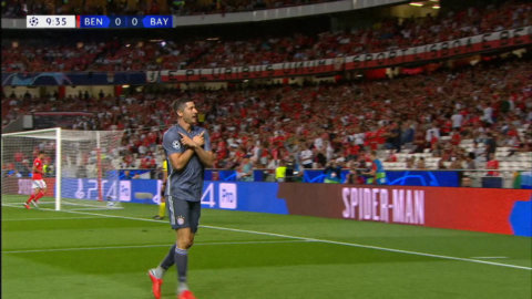 Lewandowski öppnar målskyttet - fint framspelad av Alaba