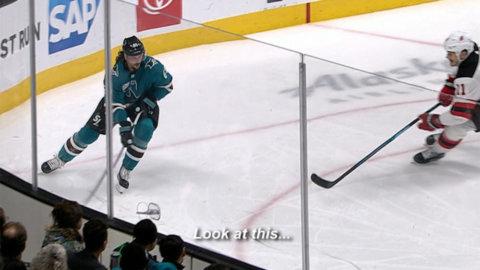 Kommentatorn lyfter detaljerna i Karlssons spel - äskar det svensken gör