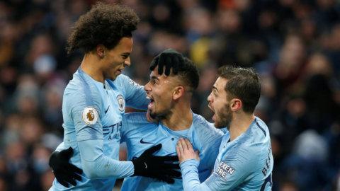 Manchester City sätter press på konkurrenterna efter seger mot Everton
