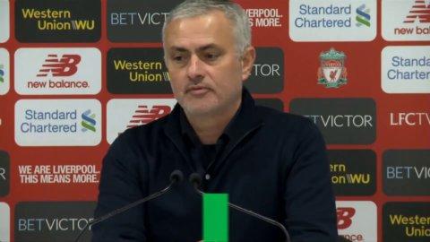 """Mourinhos oväntade hyllning: """"Trött av att titta på Robertson - helt otrolig"""""""