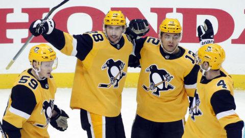 Pettersson målskytt - när Penguins vann målrik tillställning mot Rangers