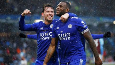 Matchhjälten Wes Morgan klev fram i slutminuterna - gav Leicester bortasegern