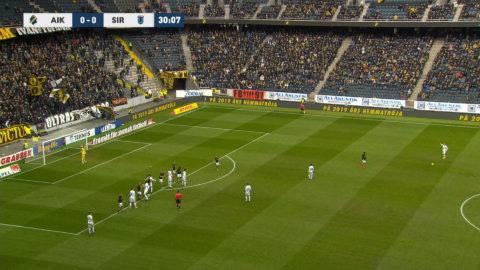 Linnér håller AIK kvar i matchen