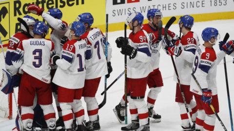 Tjeckien segrare — efter rafflande avslutning mot Schweiz