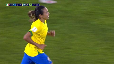 Höjdpunkter: Marta matchhjälte när Brasilien slog Italien