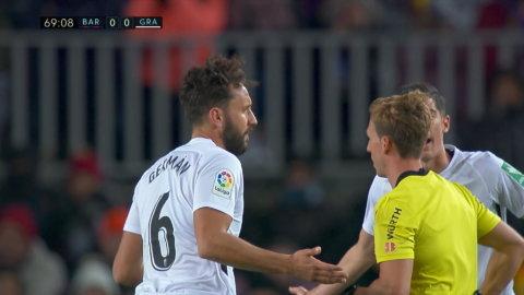 Sanchez får sin andra varning - får rött kort mot Barcelona