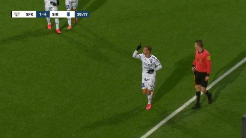 Anderssons fräcka avslut - slår hörna direkt i mål