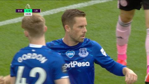 Everton utökar ledningen - Sigurdsson säker från straffpunkten