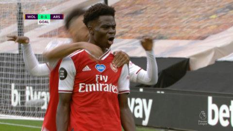 Saka spräcker nollan – första målet i Premier League